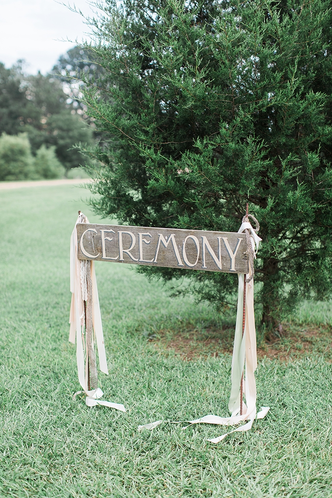 romantic farm wedding | Lindsey LaRue Photography & Makeup Artistry | Glamour & Grace-13