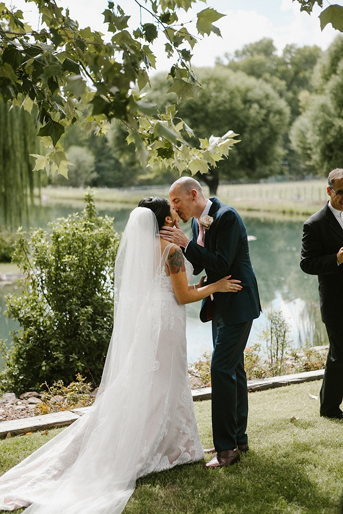 intimate lodge wedding | Jay & Jess Photography | Glamour & Grace-15