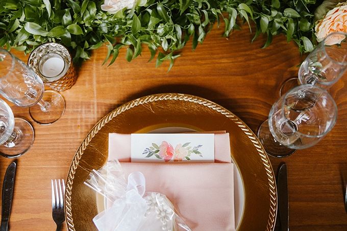 intimate lodge wedding | Jay & Jess Photography | Glamour & Grace-26