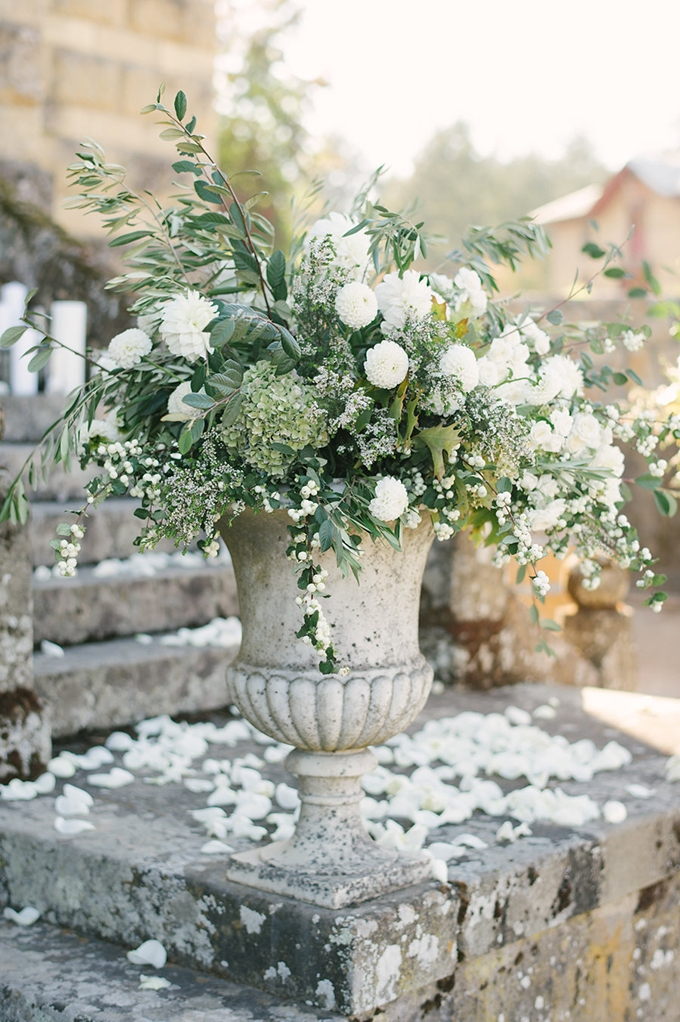 romantic Napa Valley estate wedding | Jordan Weiland Photography | Glamour & Grace-11