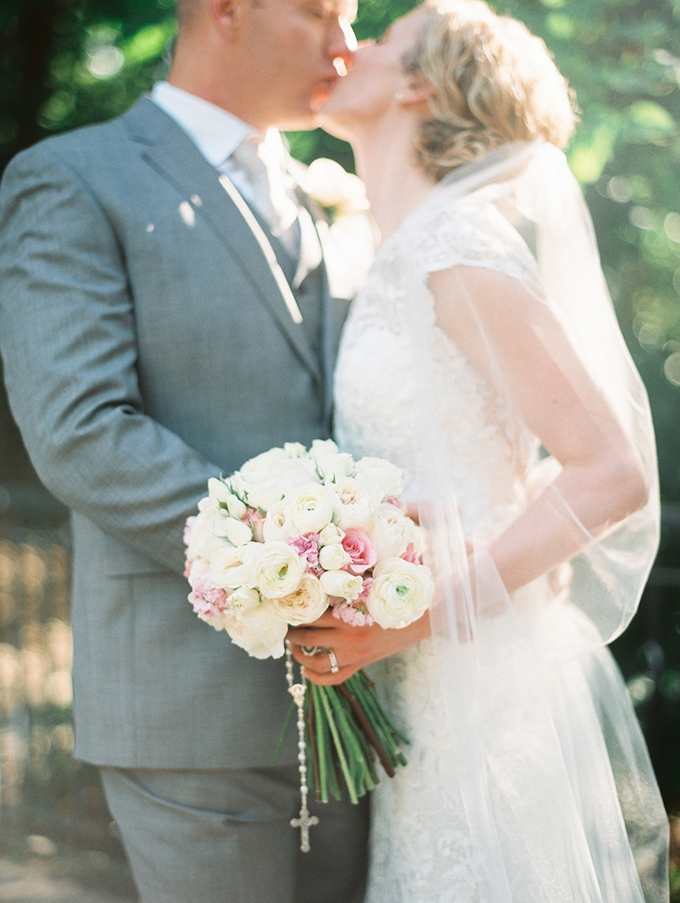 romantic candlelit wedding | Ashley Crawford Photography | Glamour & Grace-18