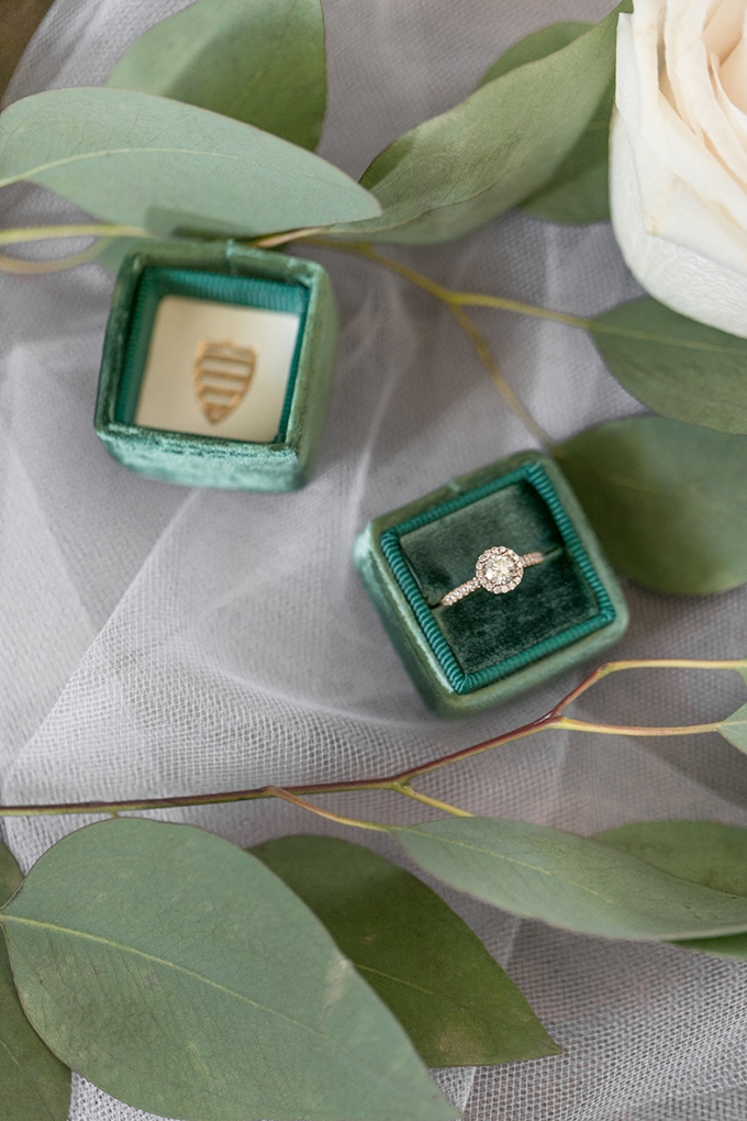 romantic greenery and gold wedding | Lovisa Photo | Glamour & Grace