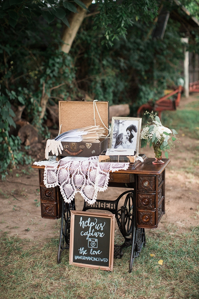 vintage barn wedding | Lindsay Campbell Photography | Glamour & Grace-07