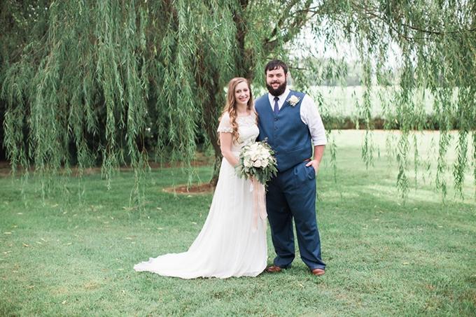 vintage barn wedding | Lindsay Campbell Photography | Glamour & Grace-18