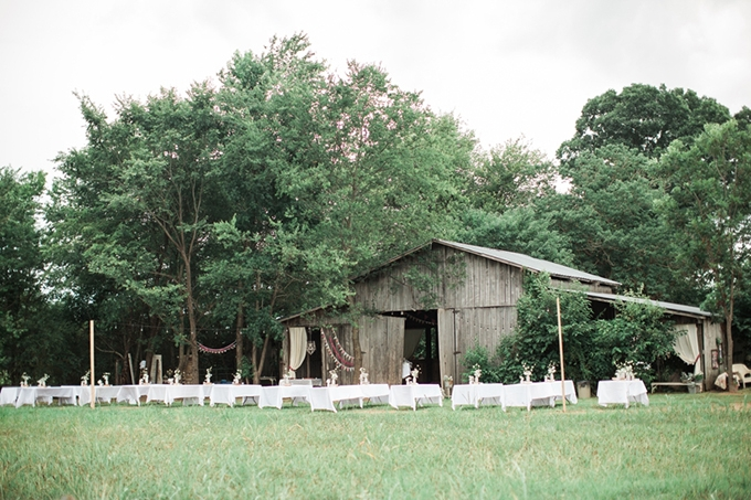 vintage barn wedding | Lindsay Campbell Photography | Glamour & Grace-20