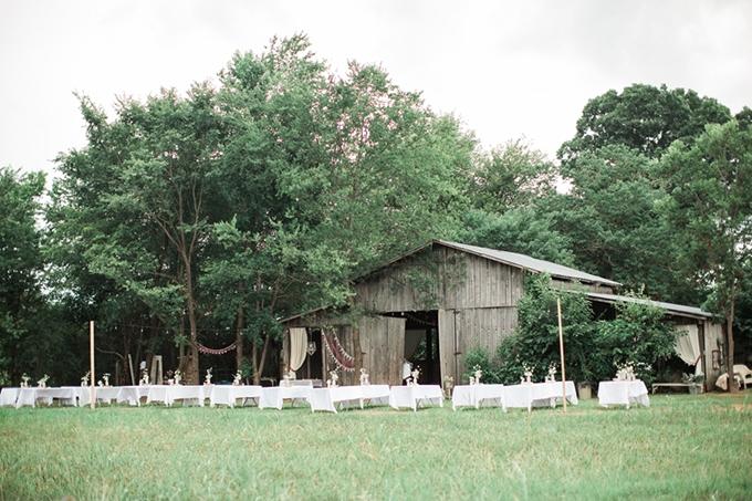 vintage barn wedding | Lindsay Campbell Photography | Glamour & Grace-20