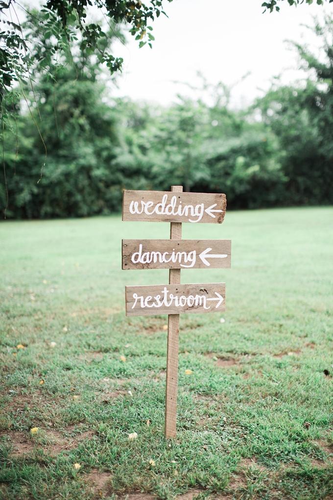 vintage barn wedding | Lindsay Campbell Photography | Glamour & Grace-21