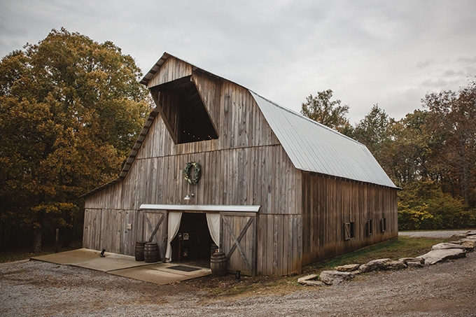 vintage fall barn wedding | Parker Young | Glamour & Grace-18