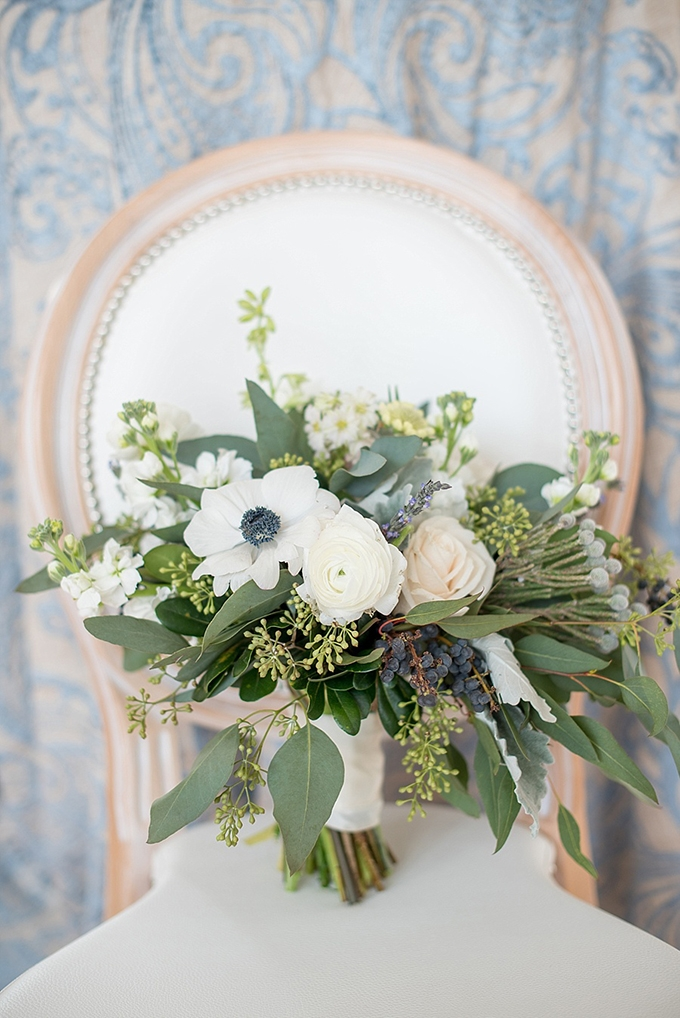 elegant blue and white wedding inspiration | Mikkel Paige Photography | Glamour & Grace-05