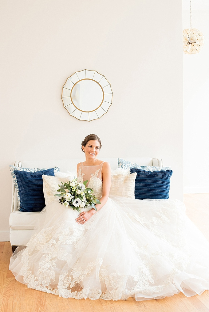 elegant blue and white wedding inspiration | Mikkel Paige Photography | Glamour & Grace-06