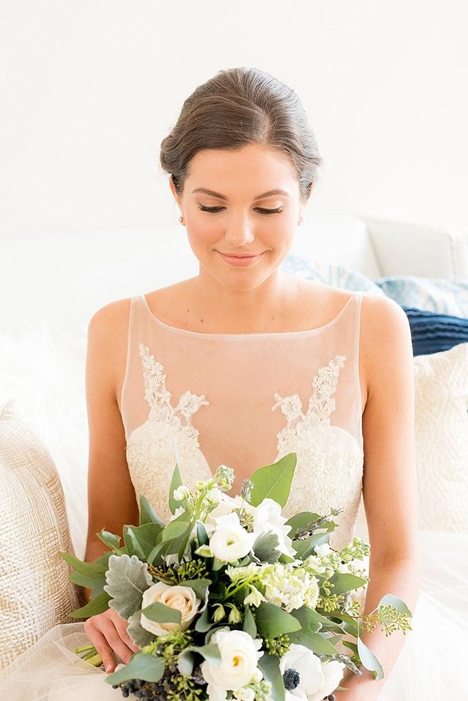 elegant blue and white wedding inspiration | Mikkel Paige Photography | Glamour & Grace-07