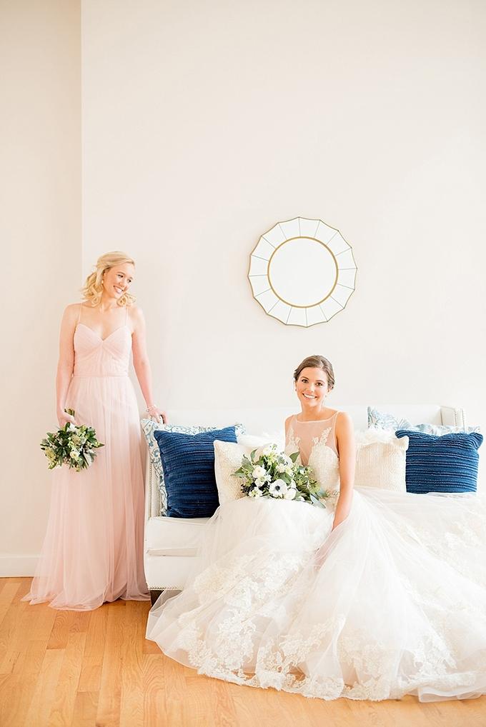 Elegant blue and white wedding inspiration glamour grace for Blue and white weddings