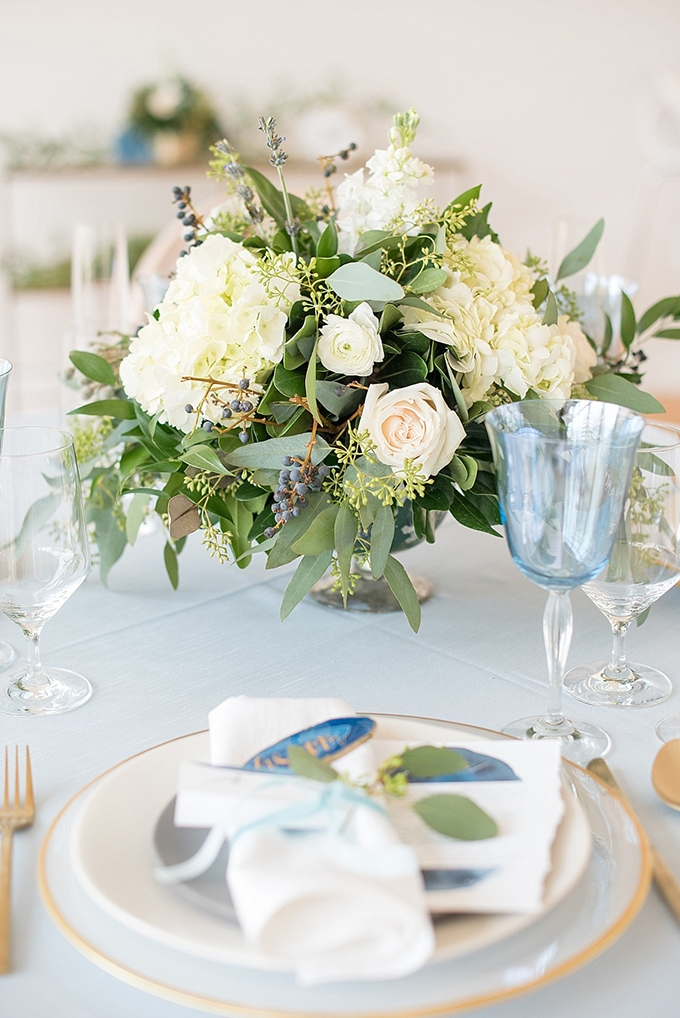 elegant blue and white wedding inspiration | Mikkel Paige Photography | Glamour & Grace-15