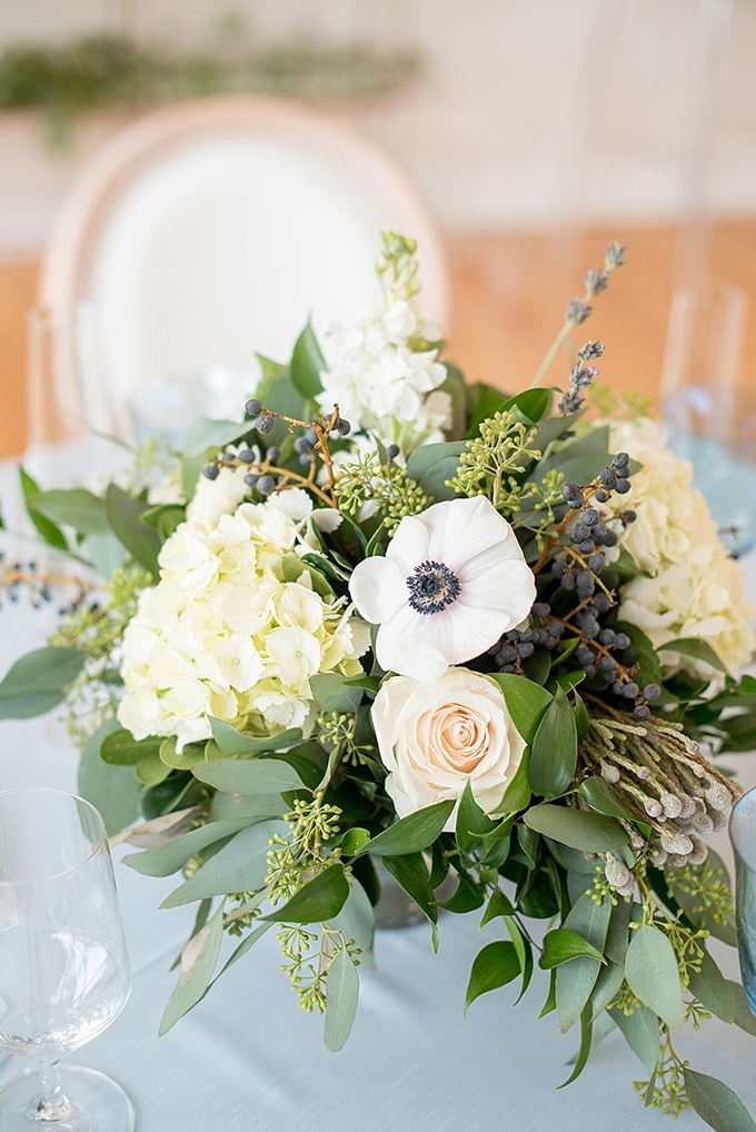 elegant blue and white wedding inspiration | Mikkel Paige Photography | Glamour & Grace-17