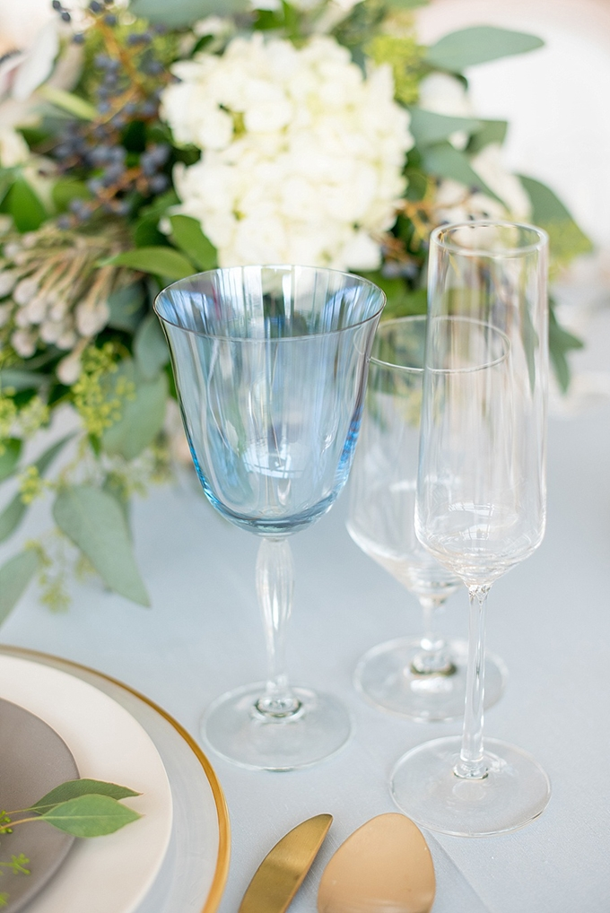 elegant blue and white wedding inspiration | Mikkel Paige Photography | Glamour & Grace-18