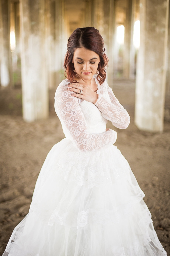heirloom wedding dress bridal portraits | Archer Inspired Photography | Glamour & Grace-10