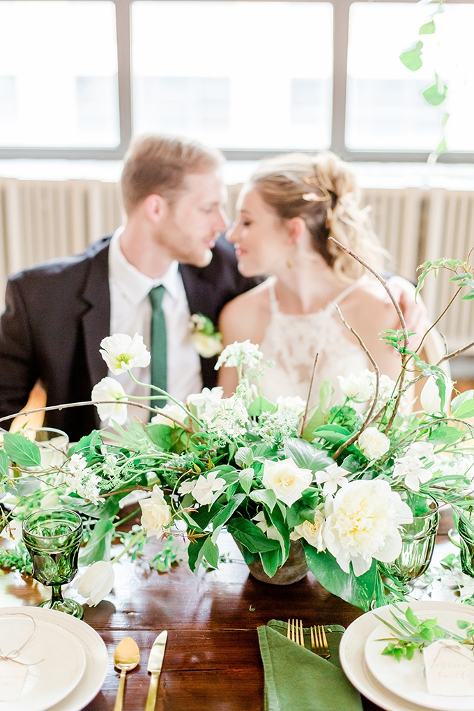 organic greenery wedding inspiration | Chesapeake Charm Photography | Glamour & Grace