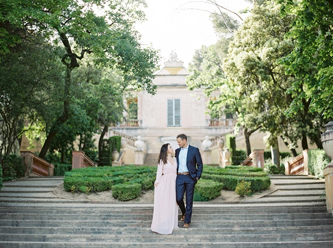 romantic Barcelona engagement session | Cornelia Zaiss Photography | Glamour & Grace