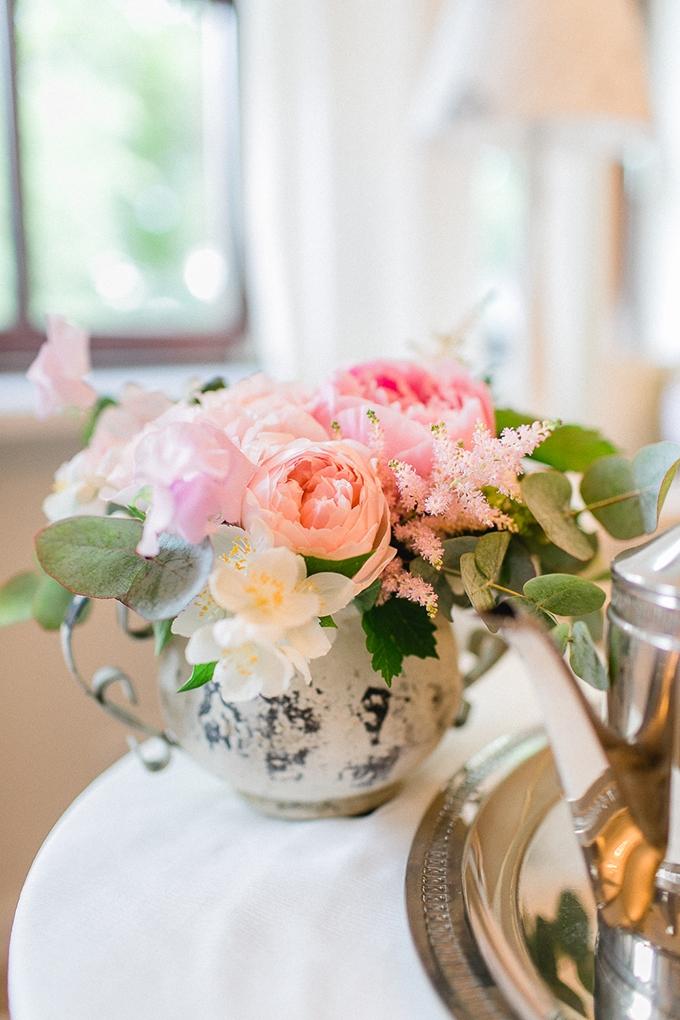 vintage countryside wedding inspiration   Diana Frohmuller   Glamour & Grace