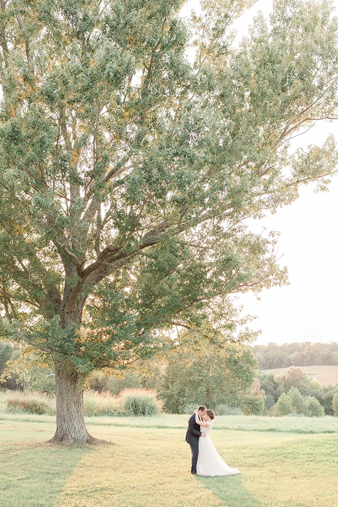 jewel tone manor wedding | Alicia Lacey Photography | Glamour & Grace
