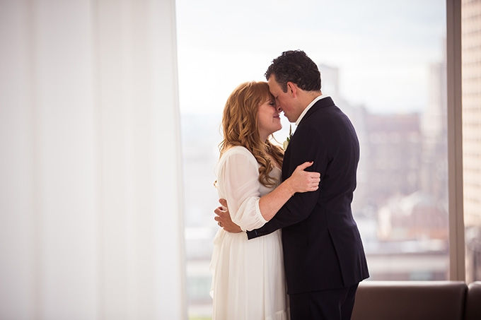 intimate NYC rooftop wedding | Femina Photo + Design | Glamour & Grace