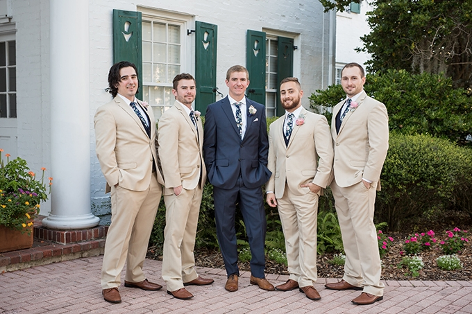 blush and navy garden wedding | Cat Pennenga Photography | Glamour & Grace