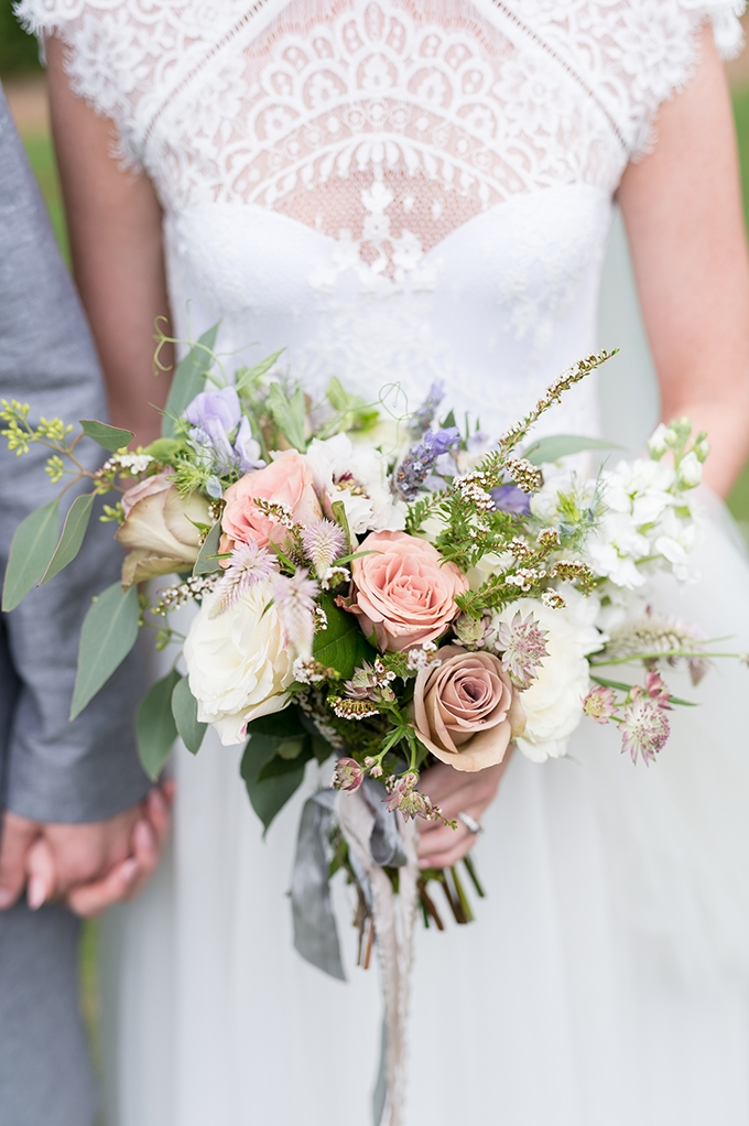 sweet pastel mountain wedding | Laura Barnes Photo | Glamour & Grace