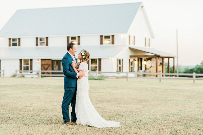 romantic boho farm wedding | Alba Rose Photography | Glamour & Grace