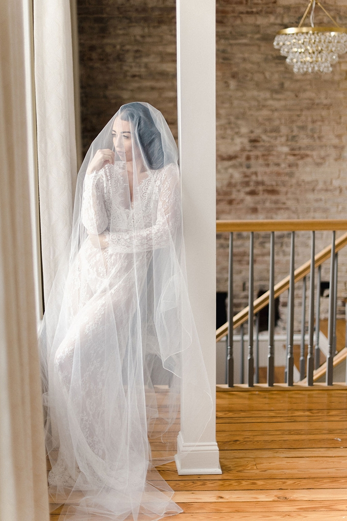 romantic and elegant boudoir session | Wolfcrest Photography | Glamour & Grace