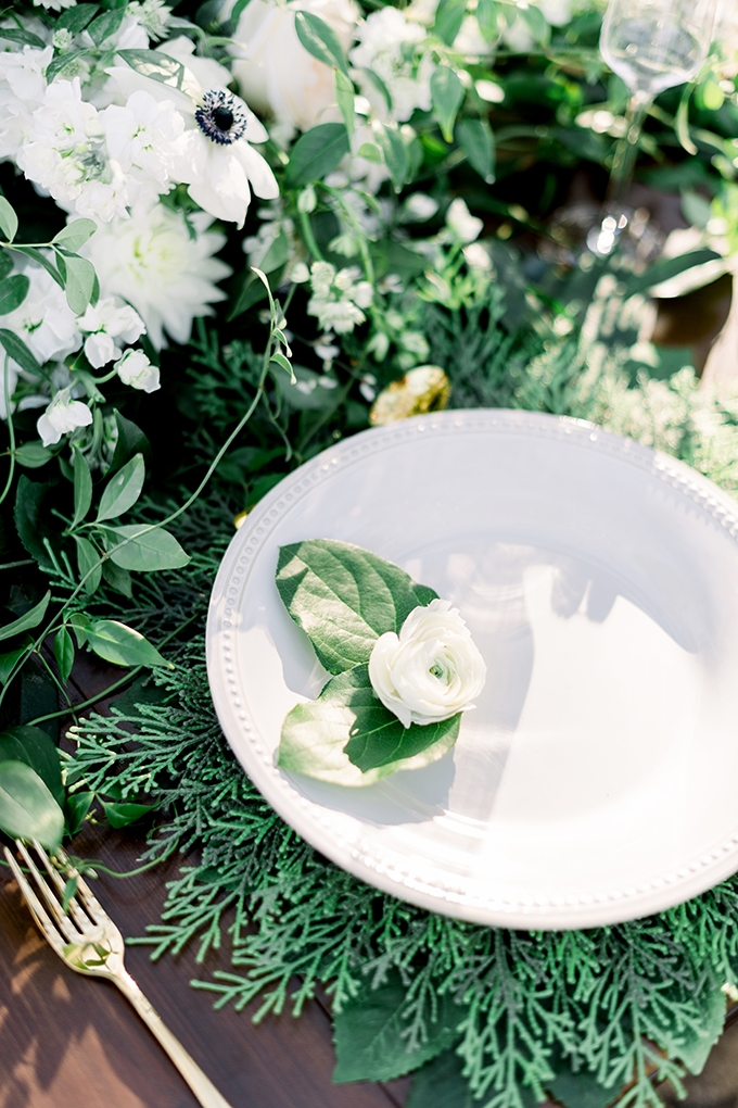 romantic greenery wedding ideas | Kristen Weaver Photography | Glamour & Grace