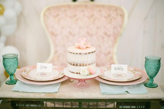 vintage barn wedding inspiration | Kira Nicole Photography | Glamour & Grace